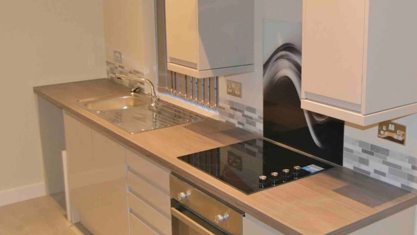 New apartments 2 min from Beeston train station