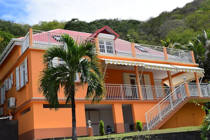 Villa NAMENO (Appartement HAUT de Villa)