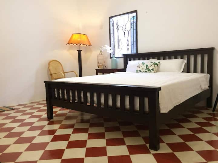 Special offer for Sunny & cozy room in town