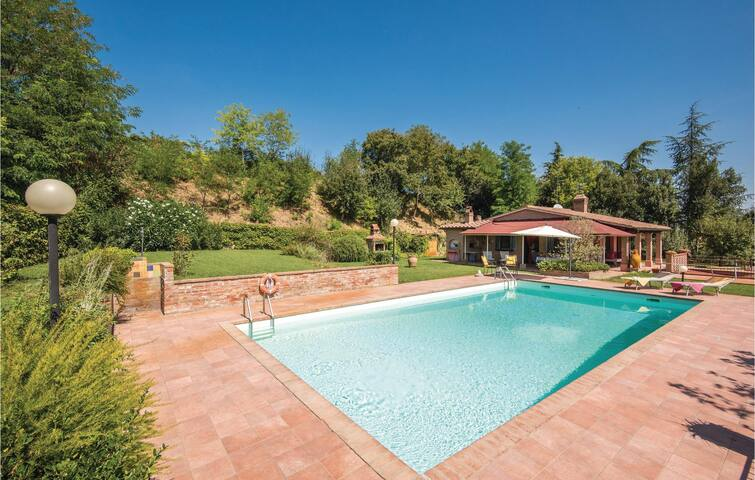 Holiday cottage with 1 bedroom on 65m² in Monte San Savino (AR)