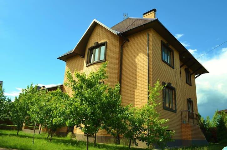 Новый дом около озера - Vasilyevskoye pole - Hus