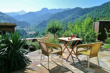 The Olmares double apartment (Picos de Europa)