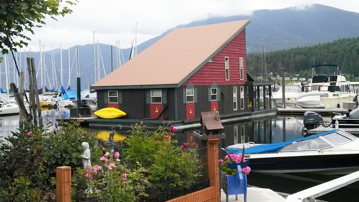 Float home  in Bayview, ID on Lake Pend Oreille!