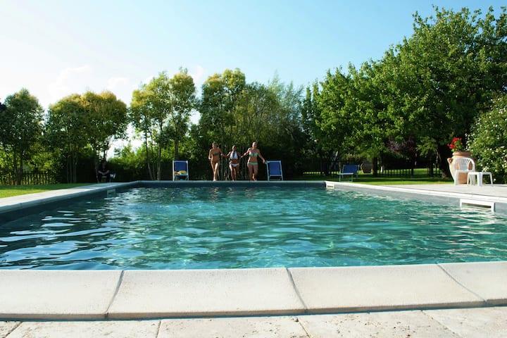 Ferme exclusive à Asciano en Italie avec piscine