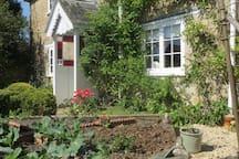 Delightful b&b and Shepherd Hut near Shaftesbury