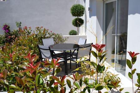 Superbe maison sud de Bastia vue mer et montagne