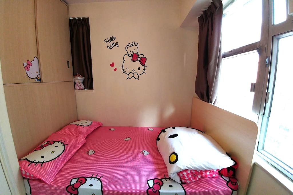 Room 1 Double Bed (6x4 feet) for 2 persons