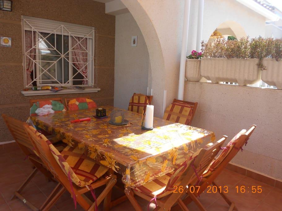 Mesa exterior hasta 8 personas