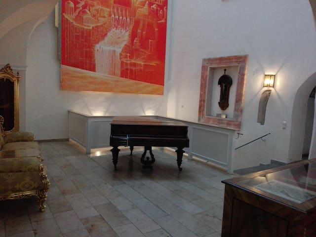 Palais Monastero