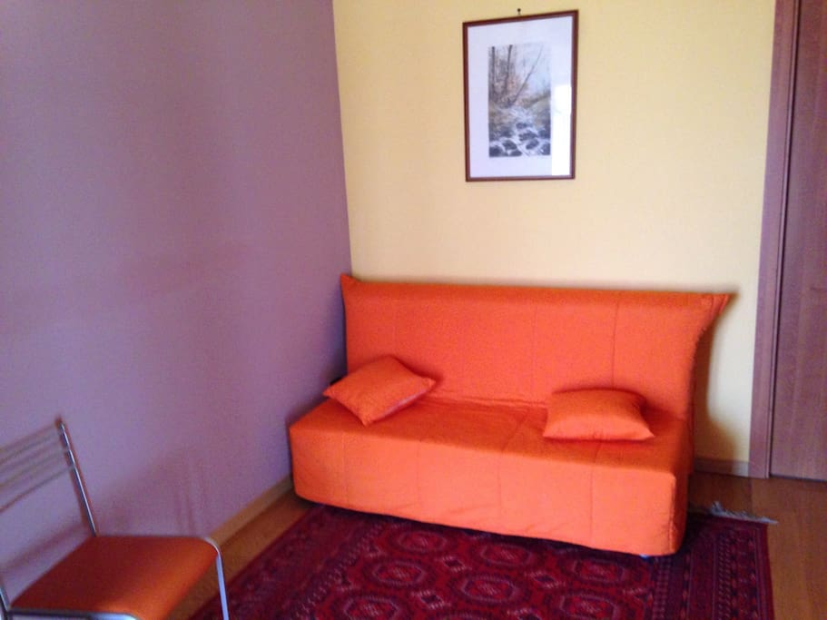 Camere con divano letto