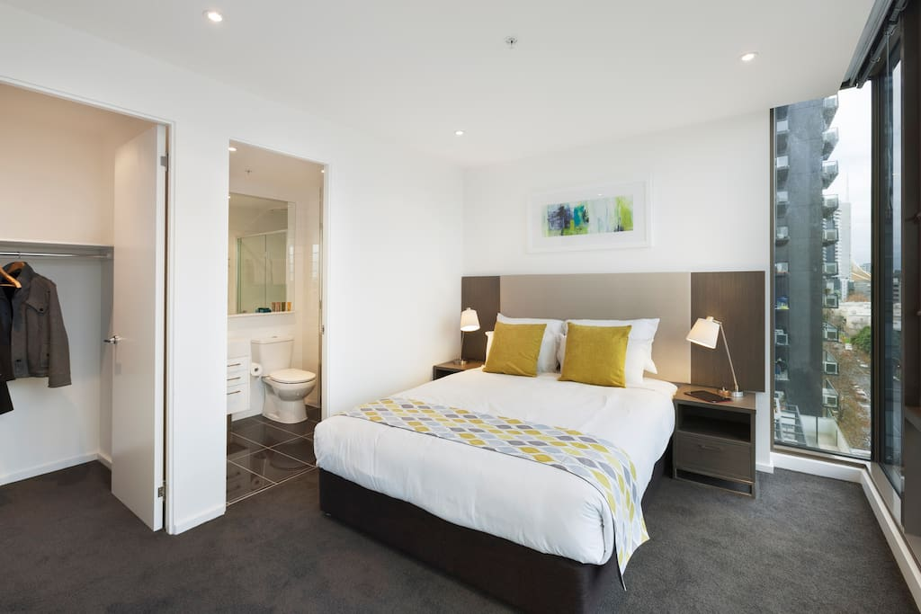 Twin 2 Bedroom 2 Bathroom Apartment Free Wifi Apartments For Rent In Southbank Victoria
