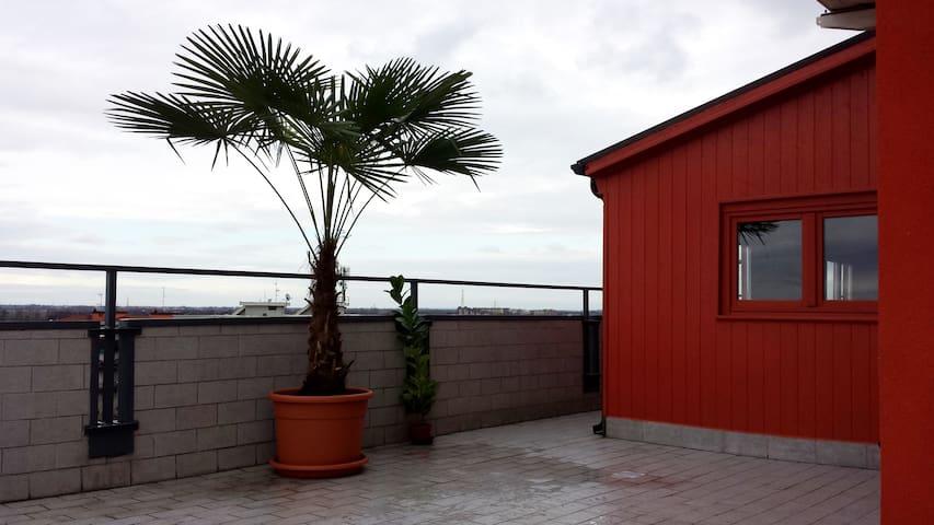 Attico ottavo piano 75 mq + terrazzo - Opera - Apartamento