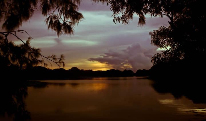 House by the lake -Your own Kolkata Homestay