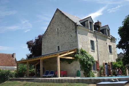 Maison de la Vienne met zwembad - Chinon