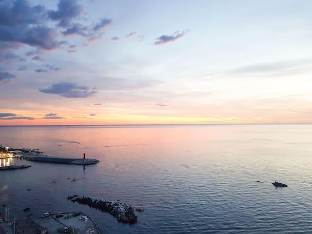 """""""Happy house 두번째이야기"""" (ocean view)"""