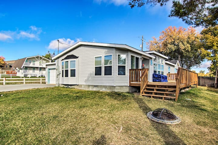 Spacious Family Home w/ Deck on Bear Lake!