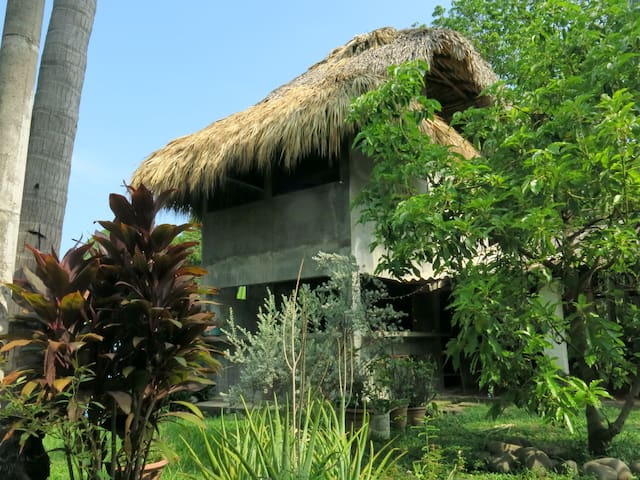 El Zonte Surf Hideaway with Pool & Great Kitchen