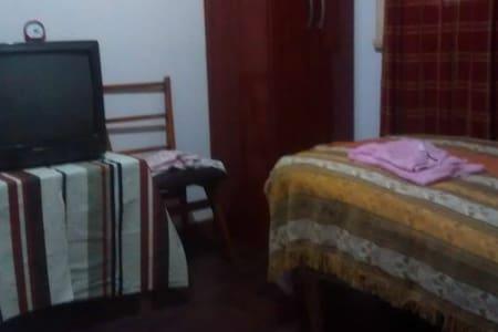 Casa tranquila, en ranchos Gral Paz . GENTE JOVEN