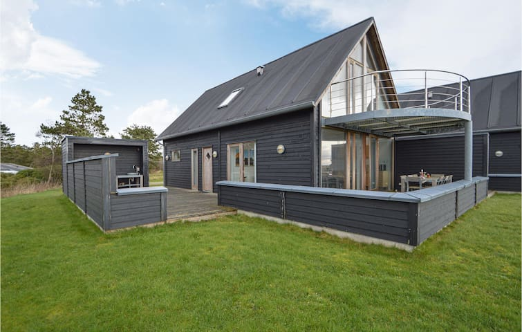 Holiday cottage with 3 bedrooms on 120m² in Rømø