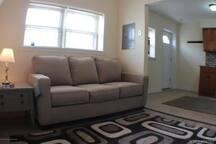Cozy 1 bedroom condo, 2 1/2 blocks to boardwalk