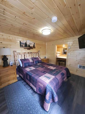 Third bedroom in small cabin