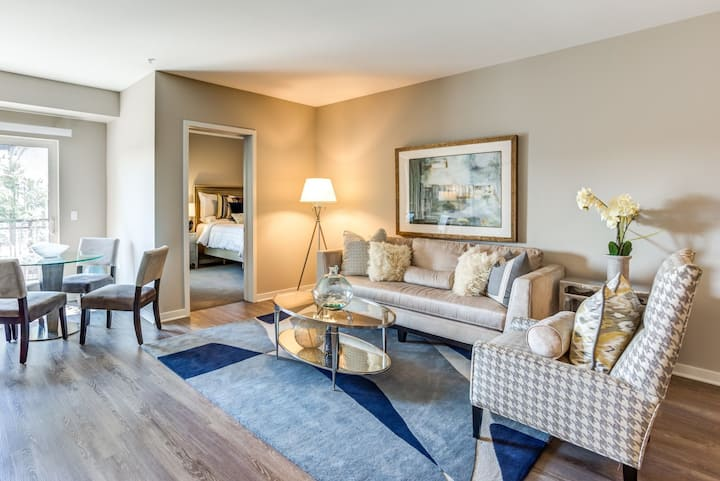 Professionally maintained apt | 1BR in Lombard