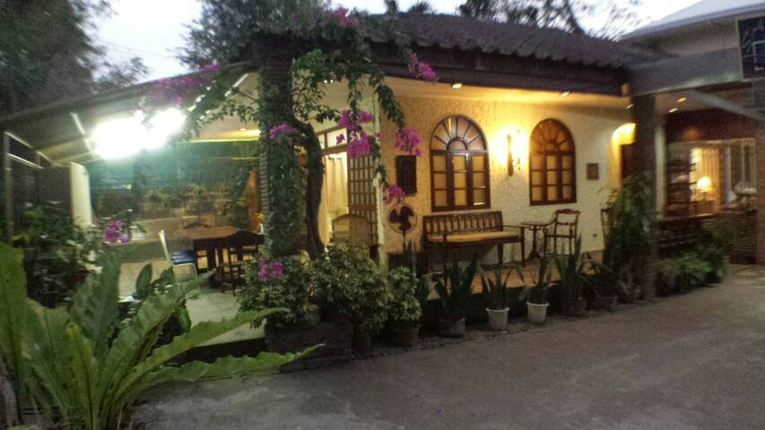 A quaint and homey place! At home ka dito! - PH - House
