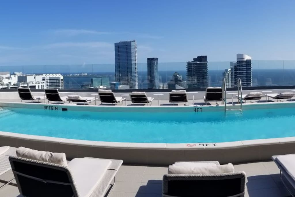 Rooftop pool, best view in the City 180 degree view of Miami, Ocean and city views