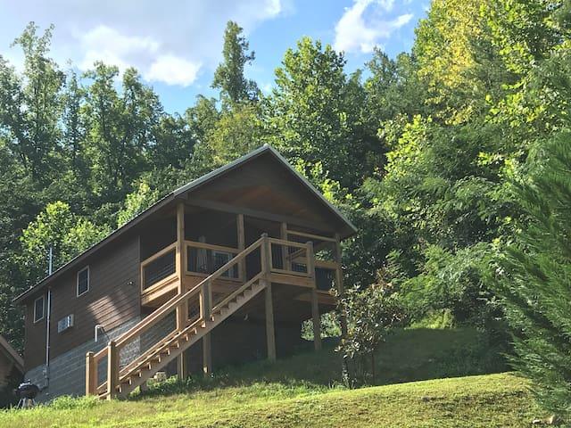 Brand new cabin - Adventure Awaits!