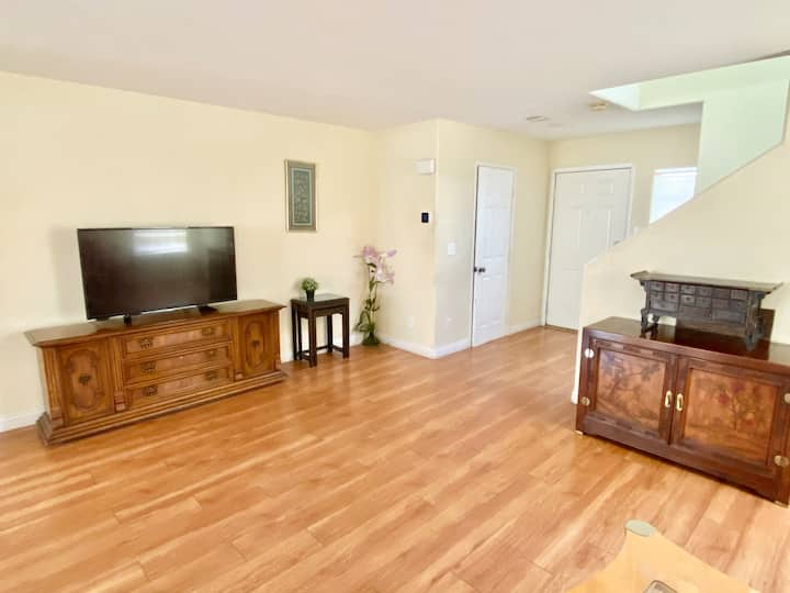 South Central 3Br Single family house 10 to Strip
