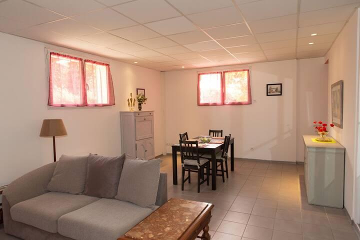 Bas de villa avec tout comfort - Sanary-sur-Mer - Lägenhet
