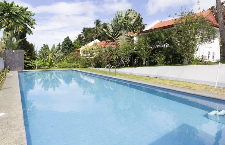 A3: Spacious Apt near Dumaguete w/swimming pool