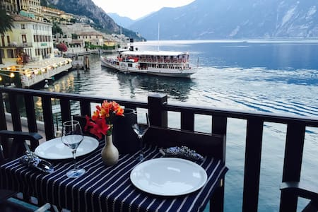 AWESOME BOUGANVILLE APARTMENT  LIMONE ON THE LAKE - Limone Sul Garda