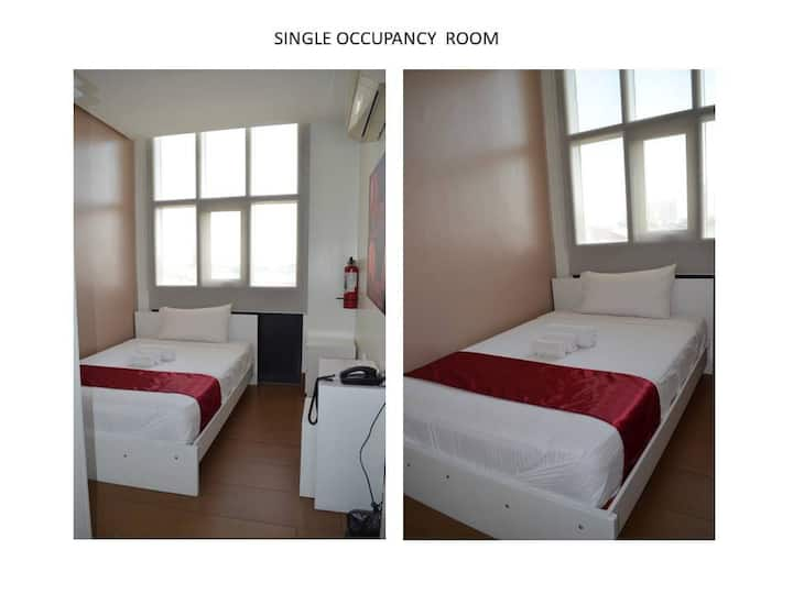 DöhleHaus Dormitory Single Room (German Standard)