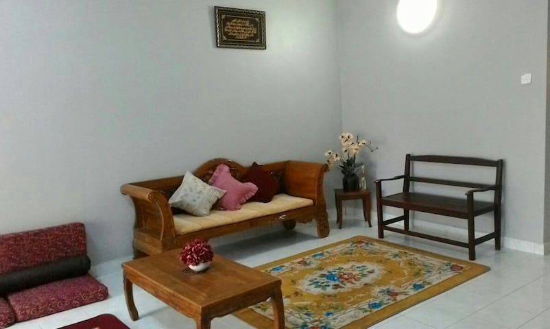 Homestay Abah, Desa Kasia (Strictly for Muslim) - Nilai - Dom
