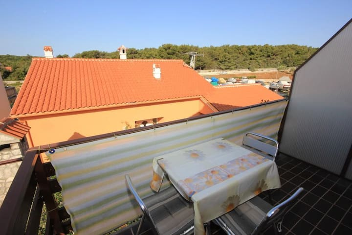 One bedroom apartment with terrace Artatore (Lošinj) (A-7934-b)