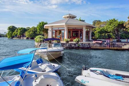 Private Island - ONLY Rent for DAY TRIP, 16 Guests