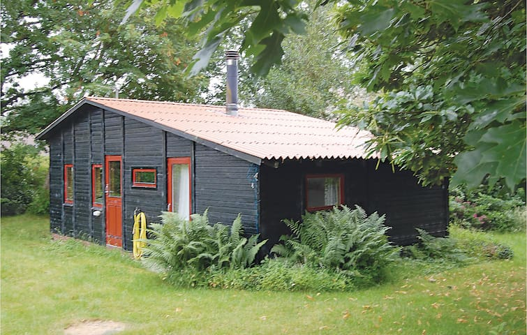 Holiday cottage with 2 bedrooms on 48m² in Kruså