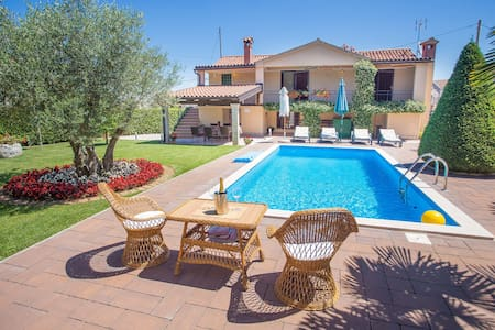 Holiday home for 4 persons, Villa Maria - Tar