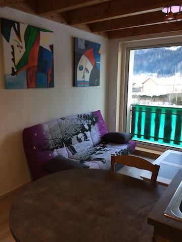 jolie appartement  confortable propre bien équipé