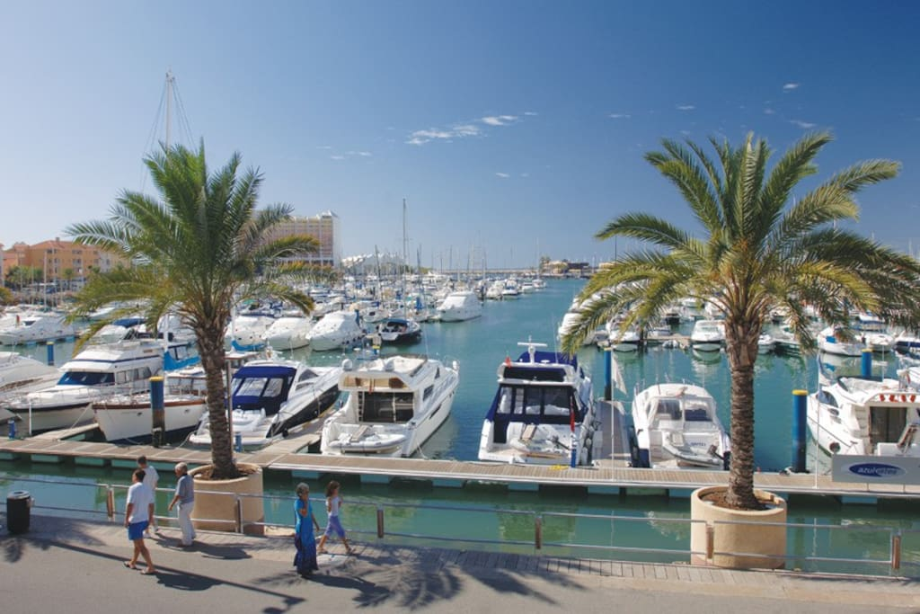 Marina Vilamoura - 3 minutes on foot