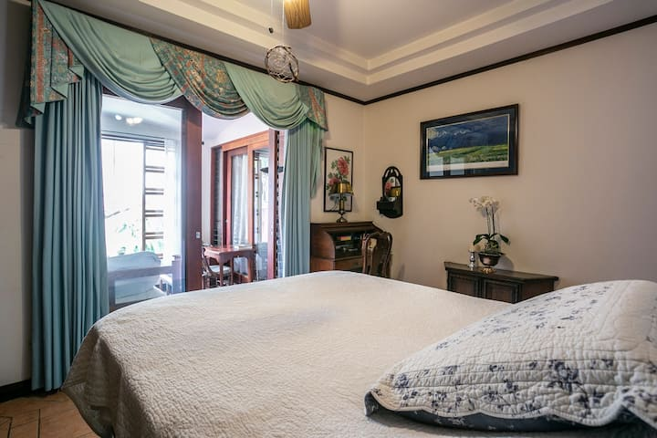 Double Room in Casita de Paz Escazu Home