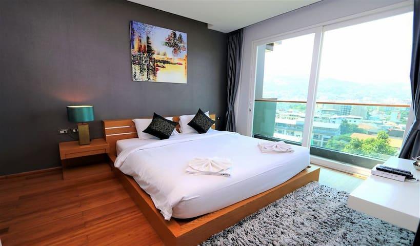 Large Sea View Apartment Near Patong Beach