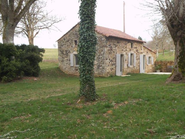 Maisonnette de charme dans la campagne lotoise - Frayssinet-le-Gélat - Rumah