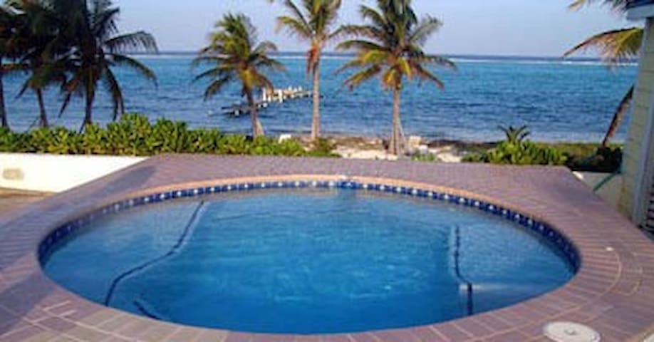Cayman Snuggle Beach  -   1 OR  2 bedrooms! - East End - Wohnung
