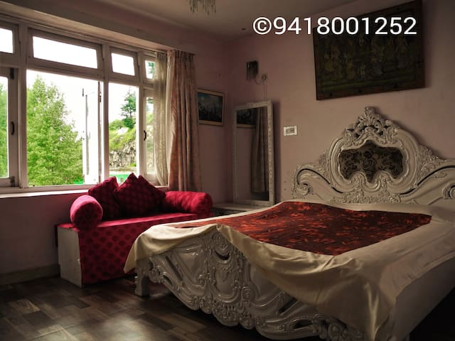 KGM Homestay for 1 group only, independent - Shimla - Hus
