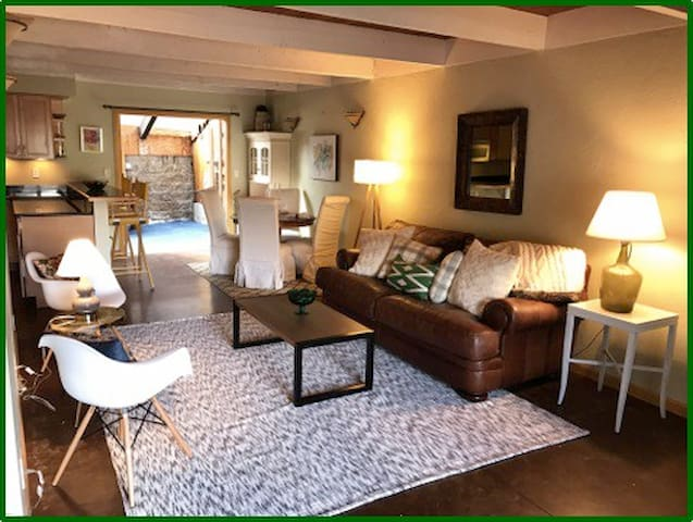West Vail: Cozy & Chic- Close to EVERYTHING! - Vail - Rivitalo