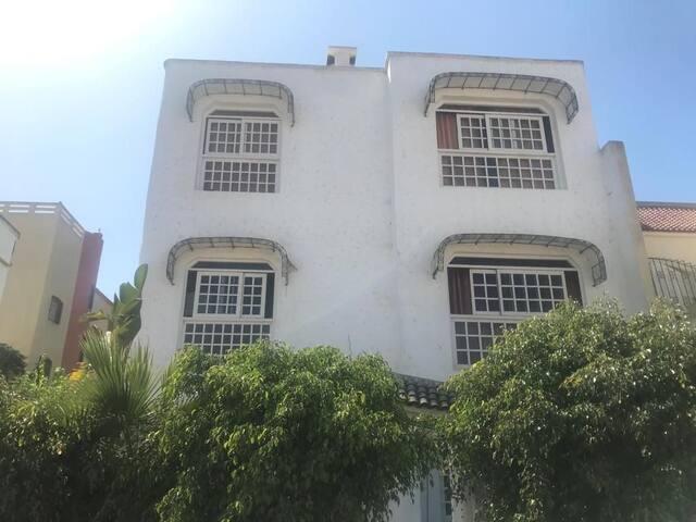 Studio en deuxième étage en mehdia plage
