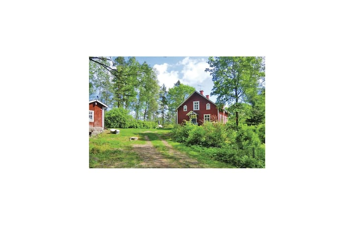Amazing home in Horn with Sauna, WiFi and 5 Bedrooms