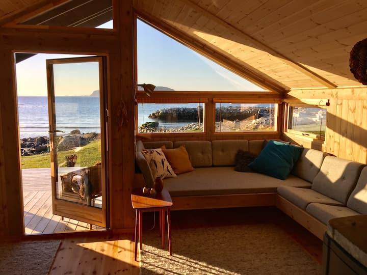 Summerhouse by the ocean ♥️
